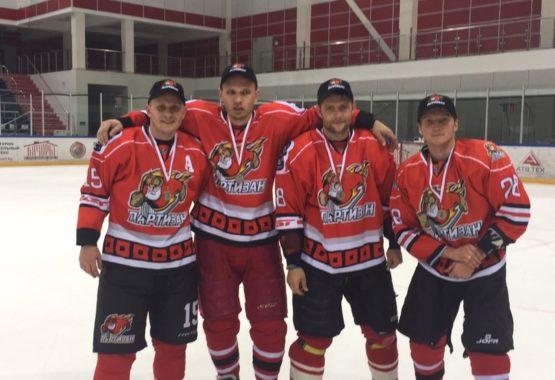 Заводчане преуспевают в хоккее
